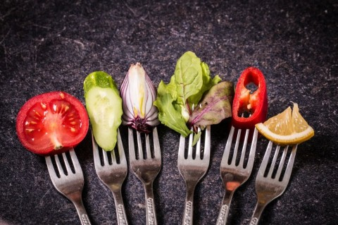 vegetables-on-fork-picture-id474552048