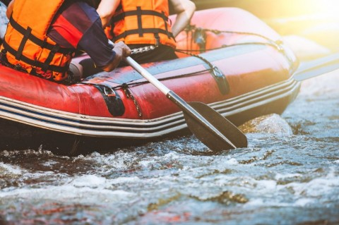 young-person-rafting-on-the-river-extreme-and-fun-sport-at-tourist-picture-id674147682