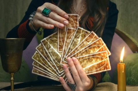 tarot-cards-future-reading-concept-fortune-teller-desk-table-picture-id930382346