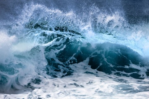 ocean-wave-picture-id477557723