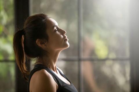 profile-portrait-of-young-attractive-yogi-woman-picture-id840155556