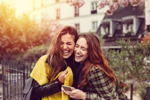 girls-laughing-at-the-street-picture-id637812946