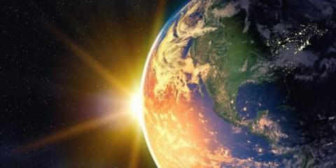 globe-and-sunrise-picture-id846830734