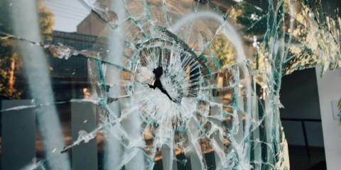 shop-window-broken-picture-id1219212444